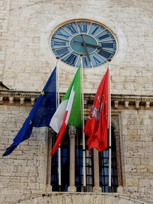 Fahnen am Priorenpalast