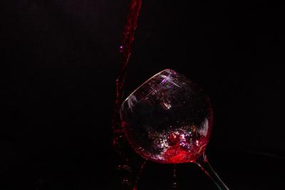 Das Weinglas - Knapp daneben