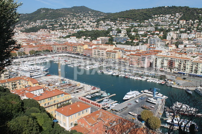 Blick auf den alten Hafen in Nizza