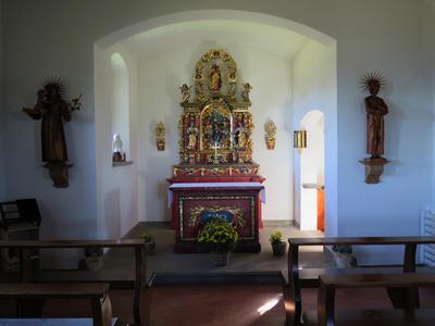 Innenraum der Bergkapelle Klewenalp