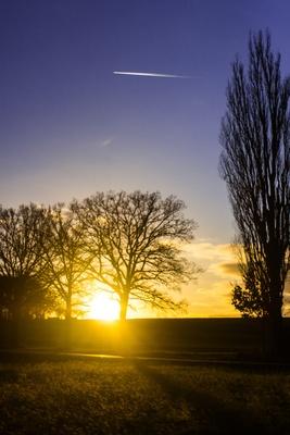 Sonnenuntergang und blaue Stunde