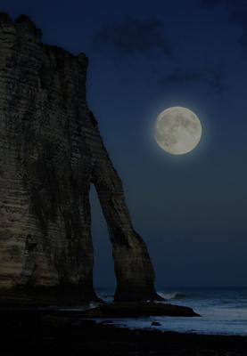 Porte d'Aval im Mondschein