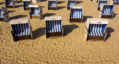 Strandkörbe warten auf Gäste