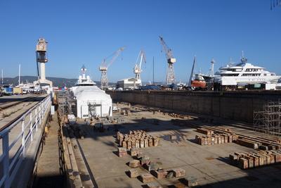 Trockenbecken der Schiffswerft