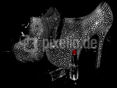 High Heels mit Lippenstift (Color Key)
