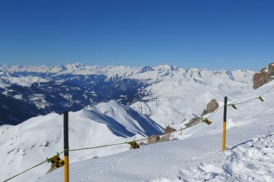 Über dem Weissfluhjoch (2843 m)