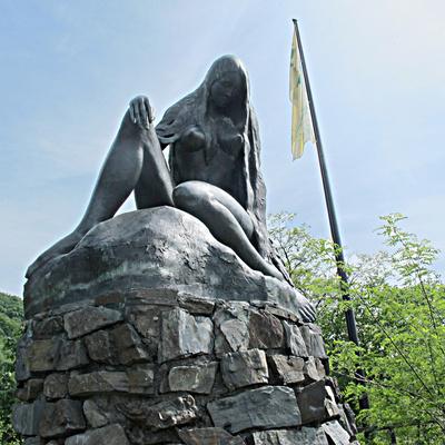 Statue der Nixe Loreley