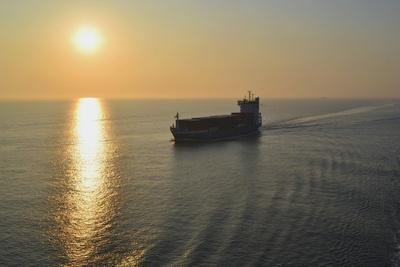 Morgens auf See
