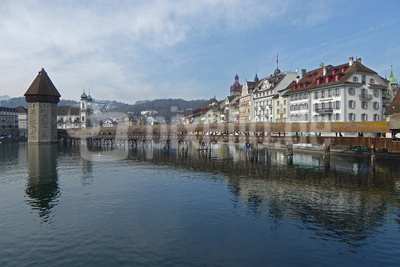 Luzern: Kapellbrücke mit Wasserturm