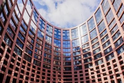 Europa-Parlament Straßburg innen - quer 2