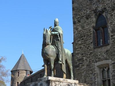 Reiterstandbild Graf Adolf V. von Berg