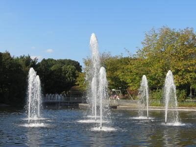 Wasserfontainen in einer Parkanlage