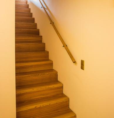 Wohnhaus-Treppe Holz