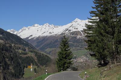 Auf den Tessiner Bergen ist noch Winter