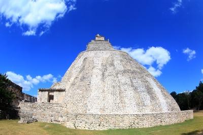 Adivino-Pyramide