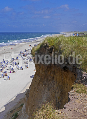 Sylt - steile Wand am Meeresstrand