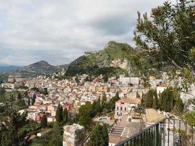 Blick über die Dächer von Taormina