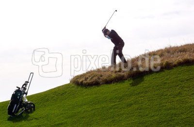 Lykia-Links-Course mit Golfer am Hang