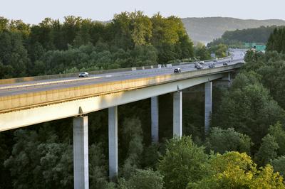 Autobahnviadukt