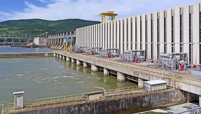 Europas größter Staudamm . . . .