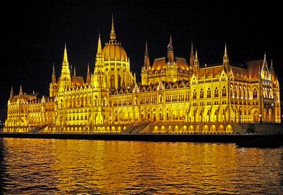 Budapest bei Nacht (6) . . . .