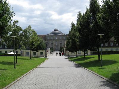Hier gehts zum Schloss Hohenheim