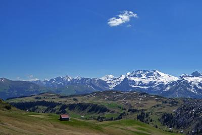 Rückblick ins Simmental mit Berner Alpen