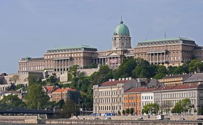 Budapest - der Königspalast . . . .