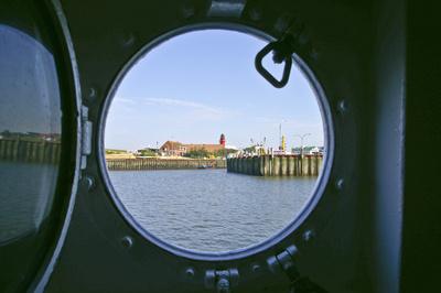 Blick auf Hafeneinfahrt von Büsum
