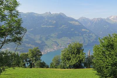 Sicht auf Walensee und Glarner Alpen