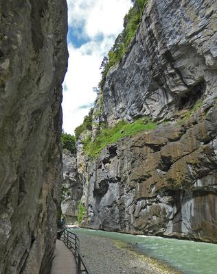 Schluchtwand bis 180 Meter hoch