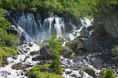 Wasser aus den Felsen