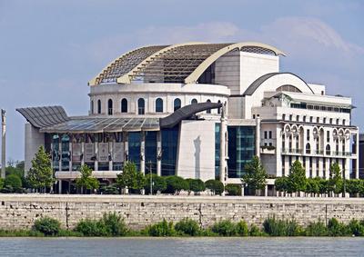 Das neue Budapester Theater . . . .