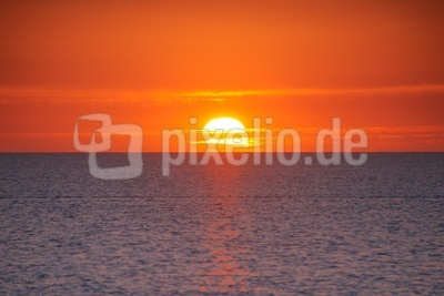 Sonnenuntergang bei Flut