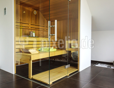 kostenloses foto sauna einbau unter dem dach. Black Bedroom Furniture Sets. Home Design Ideas