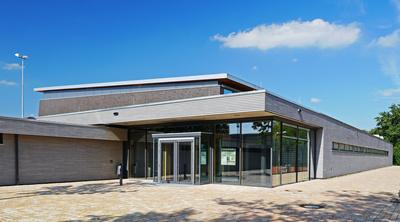 Mehrzweck-Sporthalle - Eingangsseite