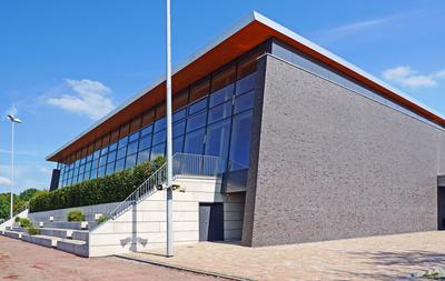 Mehrzweck-Sporthalle - Lichtseite