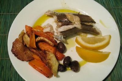 Fisch und Gemüse vom Grill mit Schwarzkümmel