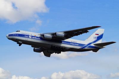 Antonov An 124 startet