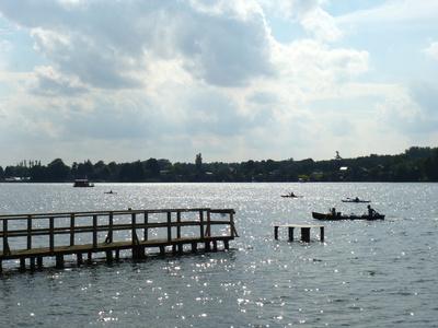 Kajaks und Kanadier auf dem Mirower See