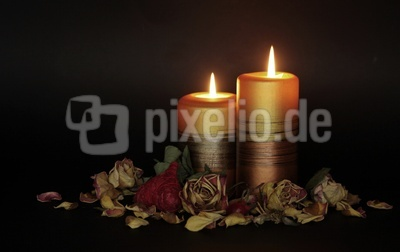 romantisches kerzenlicht am abend