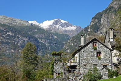 Haus in Foroglia mit Pizzo Castello