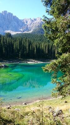 Am Karersee in Südtirol