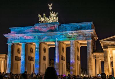 Farbenspiele am Brandenburger Tor