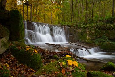 Wasserfall im Herbst, Gäbelbach bei Bern