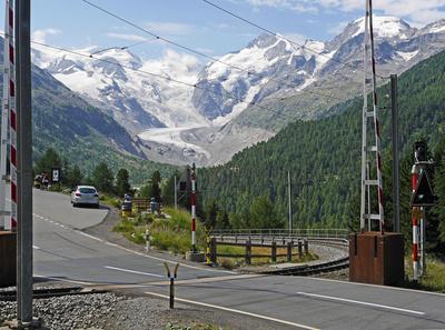 Bahnübergang am Berninapass