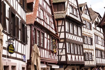Straßburg - Gasse mit Fachwerkhäusern