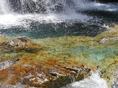 Gletscherwasser . . . .
