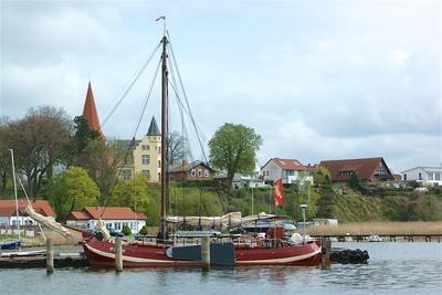 Altes Segelboot in Altefähr