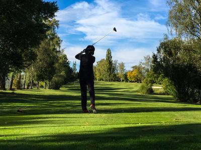 Golferin im Herbst 3